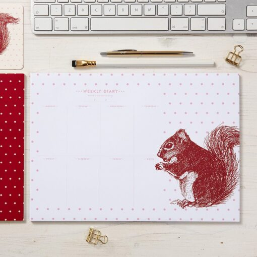 Red Squirrel Weekly Planner